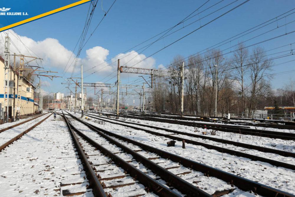 Obrazek: zaśnieżone torowisko