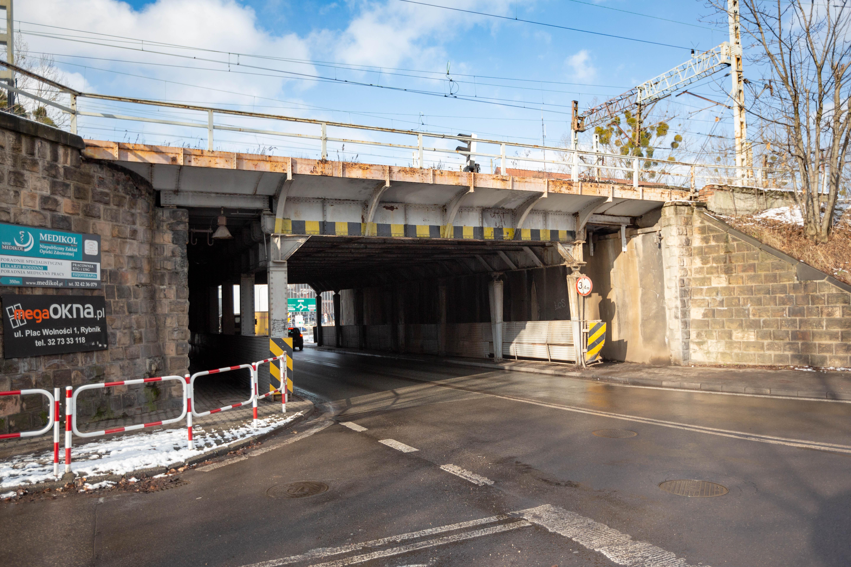 Obrazek: wiadukt na Chwałowickiej przed zmianami