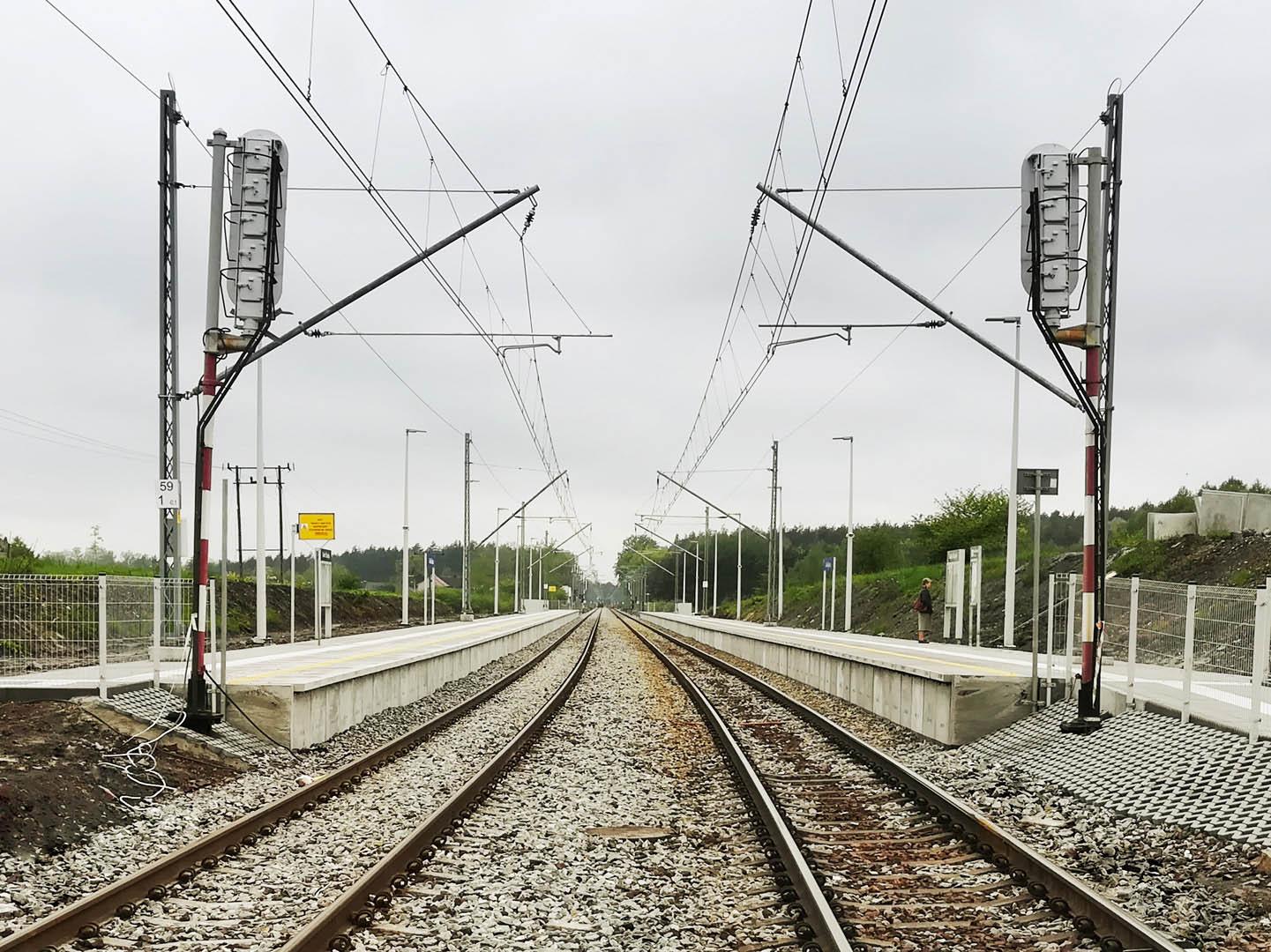 Obrazek: odnowione perony w Górkach Śląskich