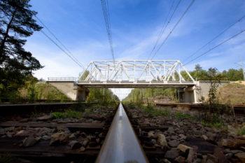 Obrazek: wiadukt kolejowy w Paczynie.