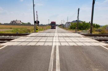 Obrazek: przejazd kolejowo drogowy
