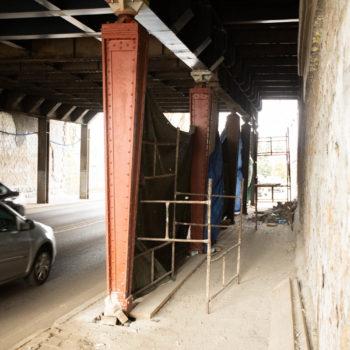 Zdjęcie: wiadukt w trakcie remontu.