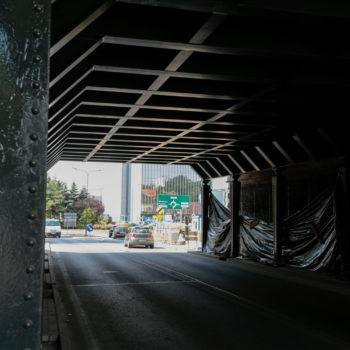 Zdjęcie: górna konstrukcja wiaduktu nad Chwałowicką.