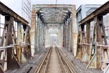 Listopad 2020: Przygotowanie do nasuwania mostu na rzece Białej oraz prace na moście na Wiśle